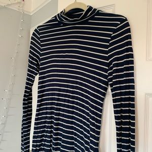 Navy fitted long sleeve turtle neck